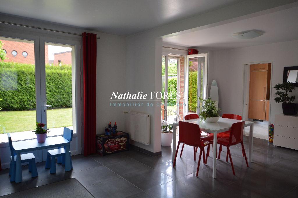 Marcq , Croisé Laroche adorable maison 4 chambres, garage jardin