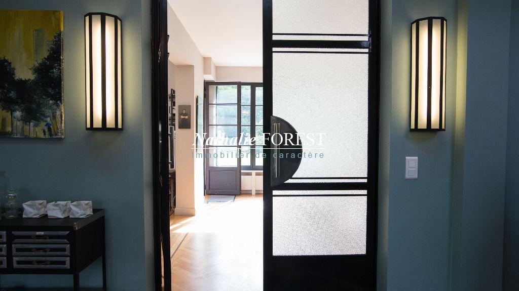 """Proximité Mouvaux , superbe maison typé """" Art Déco"""", 7 chambres , garage sur 1300 M2 de terrain ."""