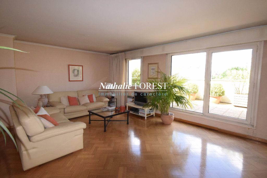 LILLE Saint-Maur-Buisson en dernier étage d'une résidence de standing Appartement  Duplex4 pièce(s) 126 M2 (Loi Carrez) avec terrasse 20M2, 2 parkings sécurisés