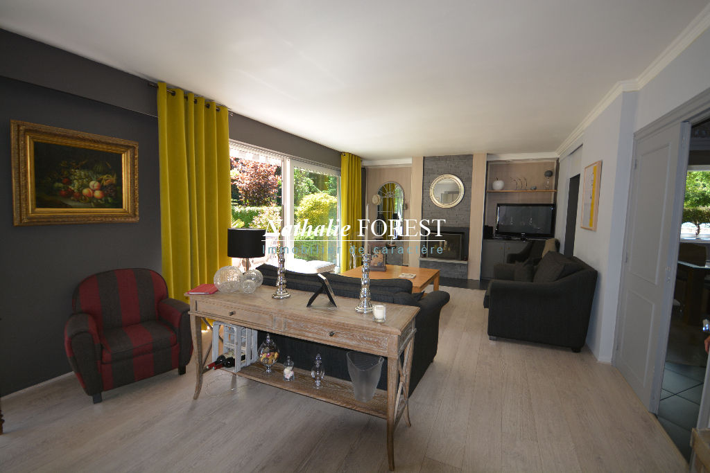 Bondues Magnifique maison 4 chambres sur une superbe parcelle de 1403 m2 .