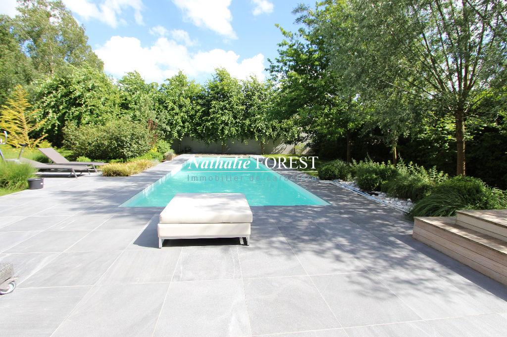 """FACHES THUMESNIL, belle maison cubique  BBC """"Demeure du Nord"""" de 9 pièces sur une parcelle de 1430 m2 -piscine extérieure"""
