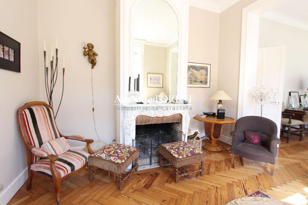 TEMPLEMARS, Maison de charme type bourgeoise de 9 pièces (6 chambres) et dépendances habitables sur une parcelle de 1680 m2