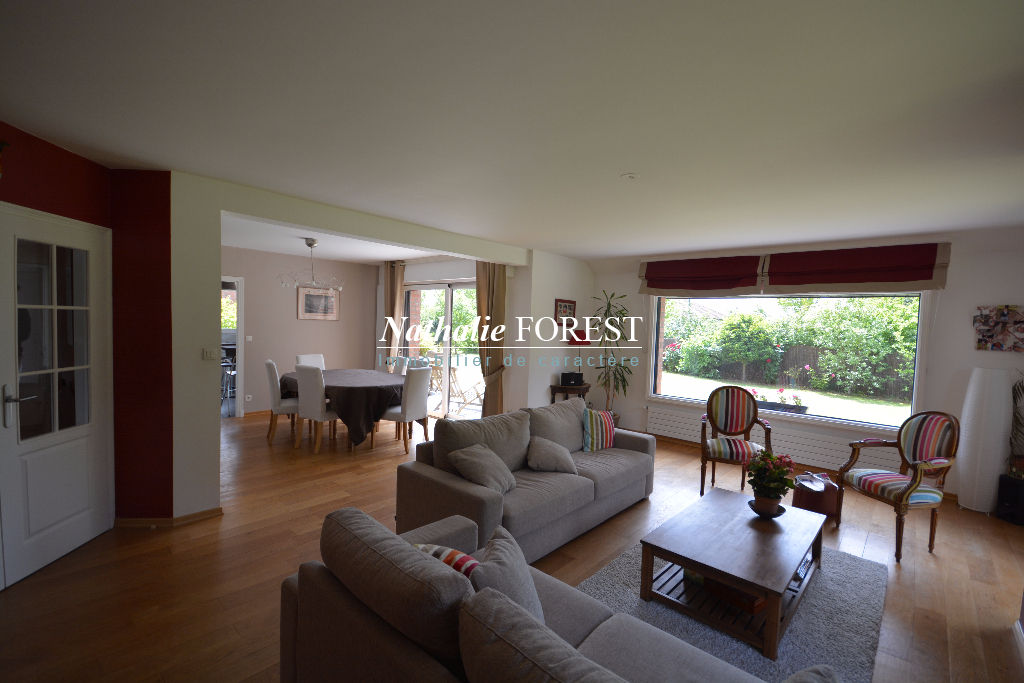 Wasquehal , prox mongy et commerces , très jolie maison , 5 ch sur 867m2 de terrain