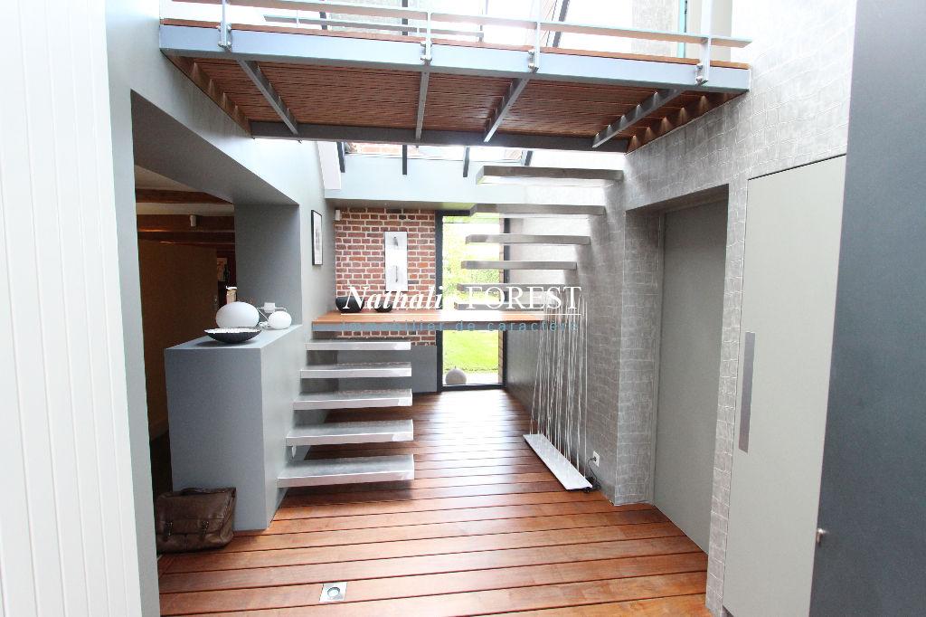 Proximité VILLENEUVE D'ASCQ, Magnifique Fermette remaniée par un architecte de talent (4 -5 ch) au coeur d'un jardin arboré de 2000 m2