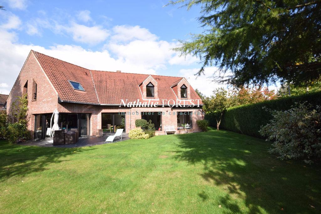 CROIX Beaumont  Résidentiel  Belle maison individuelle d'architecte sur 1000M2