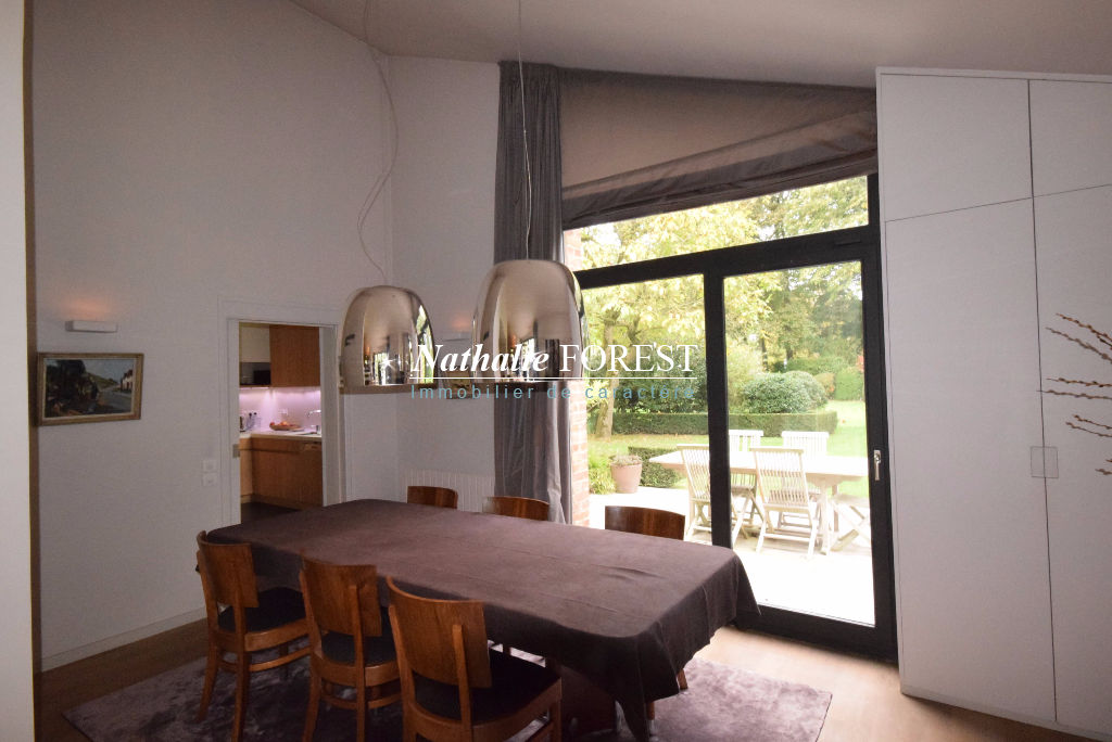 MOUVAUX Haumont Belle VILLA Individuelle entièrement rénovée implantée sur magnifique parcelle de 1100M2