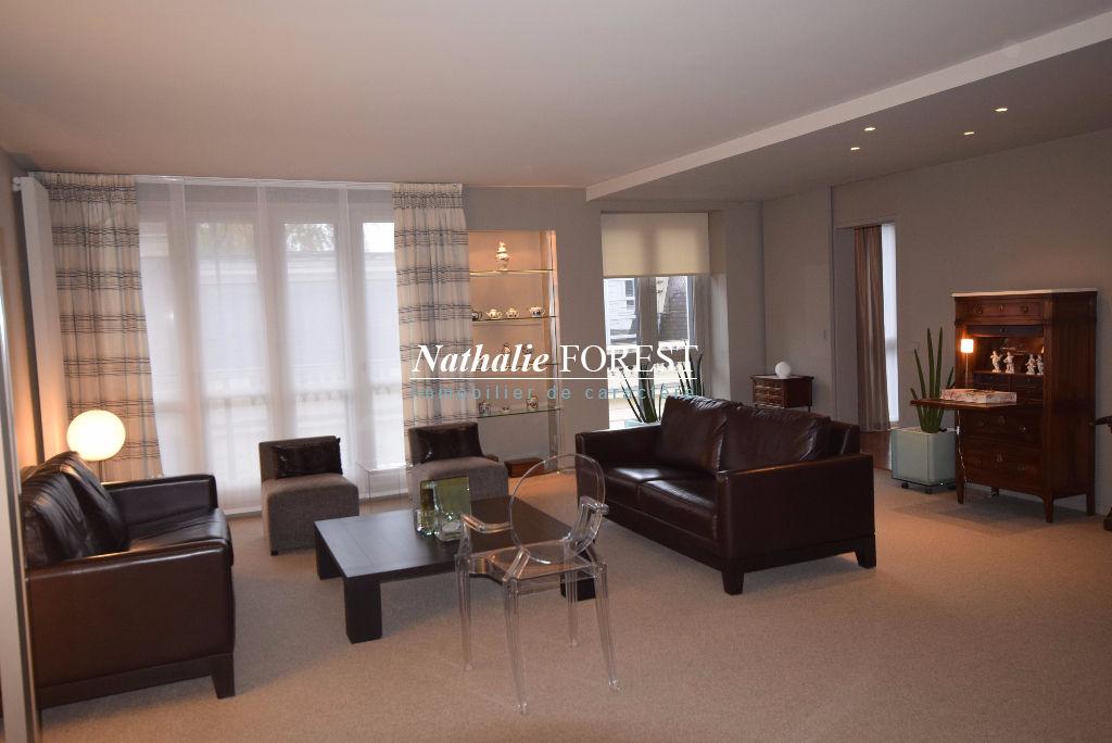 Vieux Lille Secteur Top ! Bel Appartement Lille 4 pièce(s) 120 m2 avec terrasse privative 15M2 et un parking couvert sécurisé
