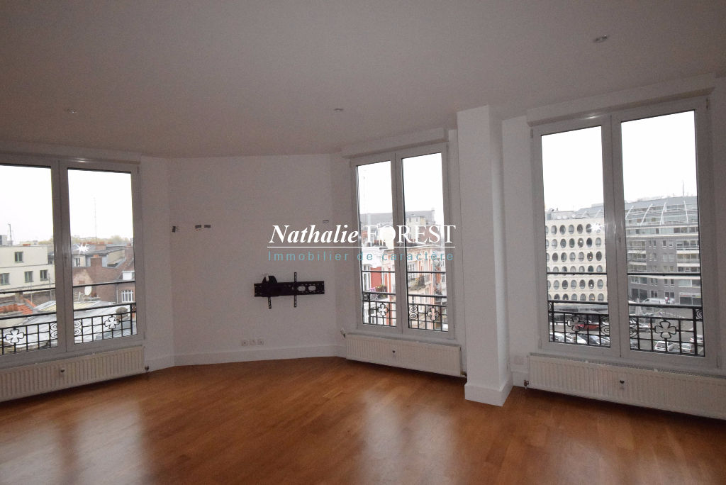 EXCLUSIVITE ! LILLE  Hyper Centre , Appartement Ancien rénové de Style Art Déco  5 pièce(s)  4 Chambres, 2 Sdb, 1 Parking en location