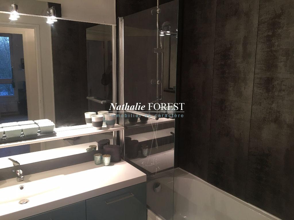 VILLENEUVE D'ASCQ Château Exclusivité ! Appartement  4 pièce(s) 67M2 Rénové avec parking sécurisé sous-sol