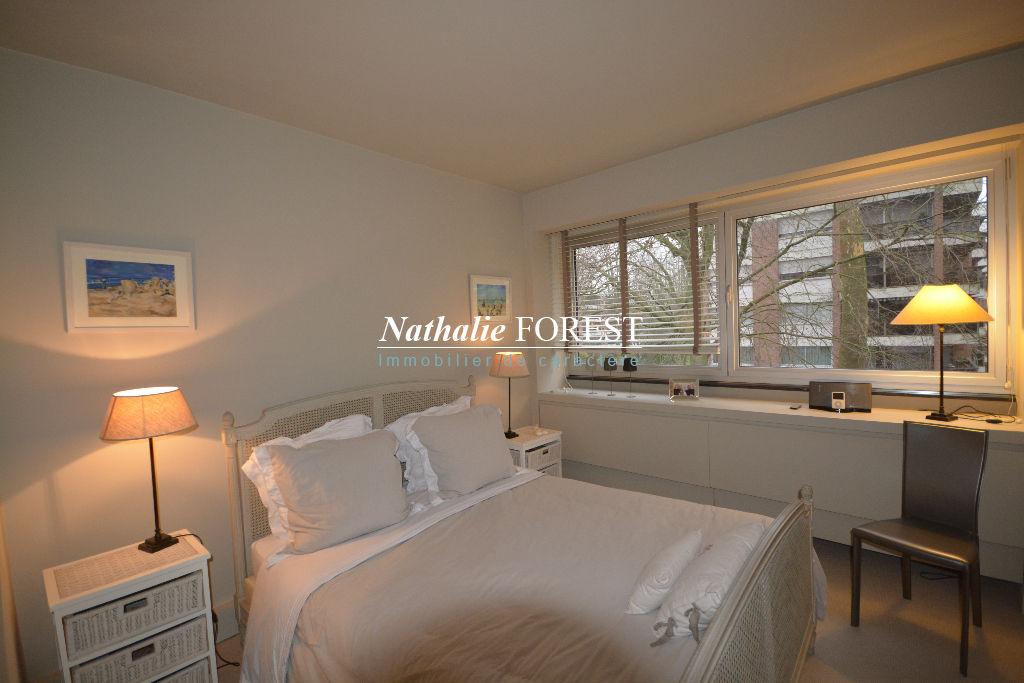 Wasquehal prox Marcq en Baroeul ,  premier rang Golf , magnifique appartement Type 6 , terrasse, garages