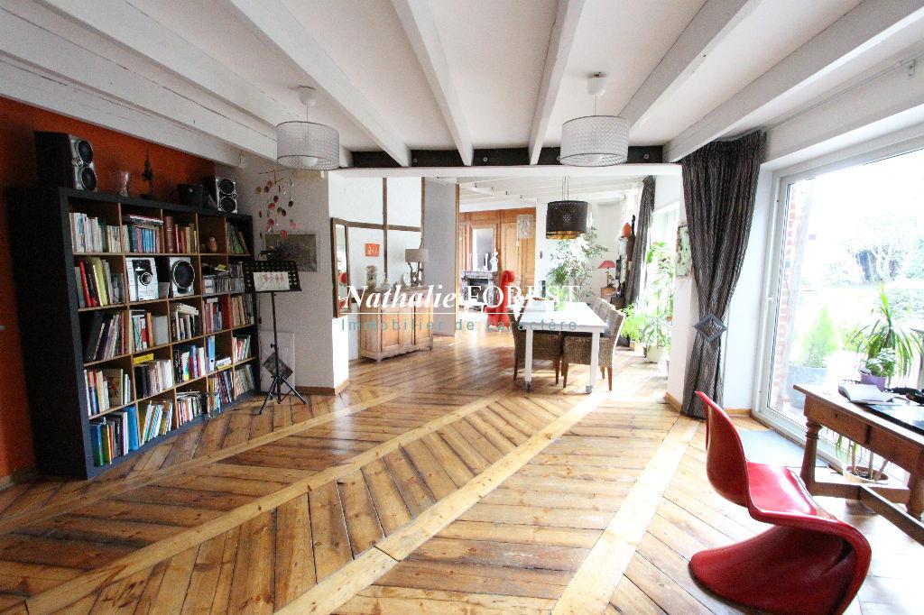A 10 minutes du centre de Lille ,  usage mixte possible , chambre d'hôte et habitation .