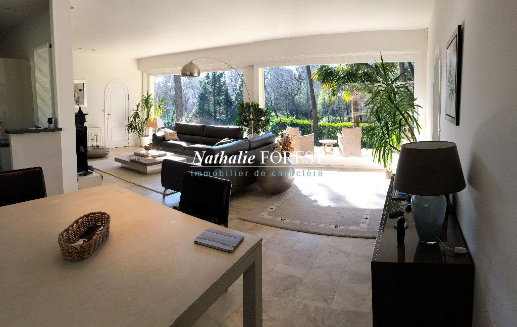 Maison Le Touquet Paris Plage 5 pièce(s) 160 m2 hab sur 4560m2 de terrain agrémenté d'une piscine chauffée, 4 chambres