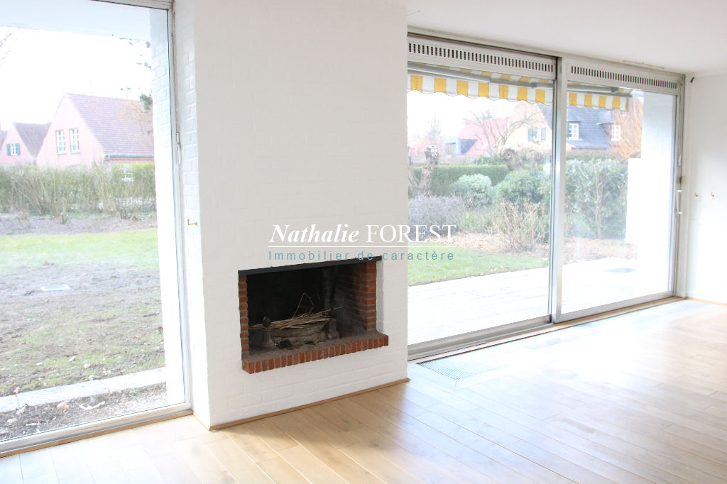 """Mouvaux résidentiel, Atypique maison """"Watel"""" , vrai plain pied , 6 ch , sur 1492 m2 de terrain ."""