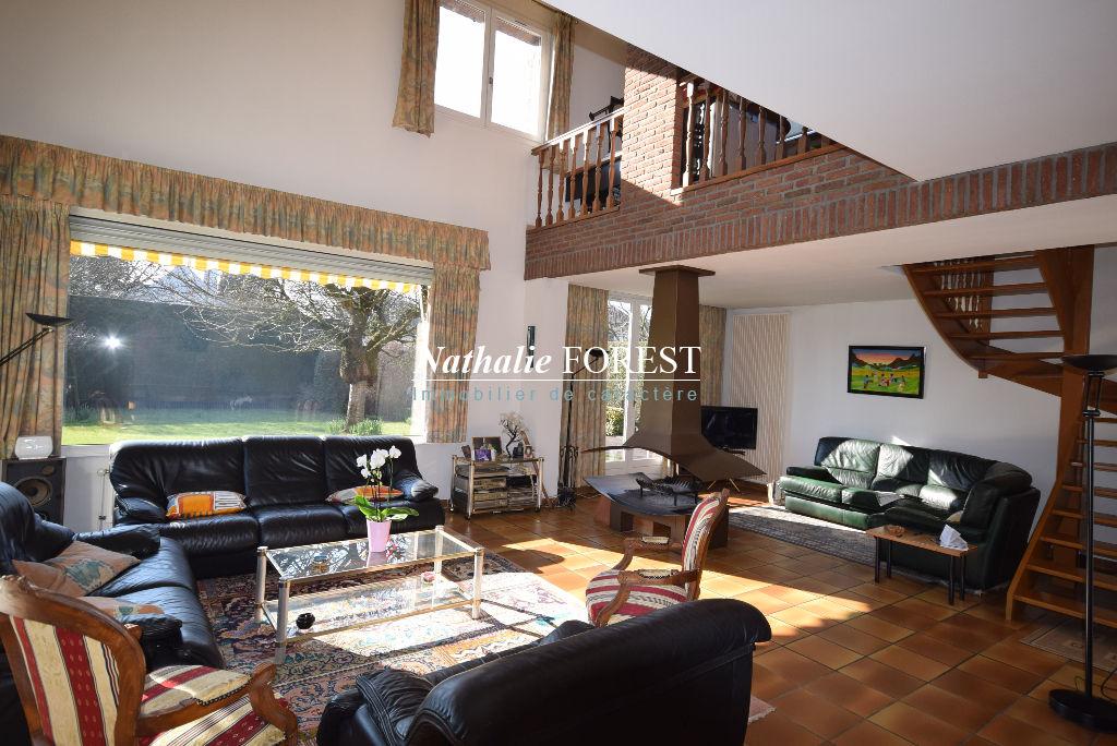 Exclusivité MARCQ EN BAROEUL Résidentiel Villa individuelle de 1985 sur 930M2, garage 2 Voitures.