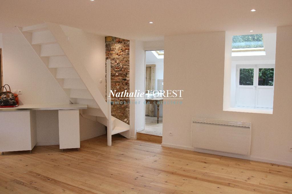 Mouvaux , prox centre , ravissante maison flamande entièrement rénovée , 3 ch , charme , Idéal B&B ,petit garage .