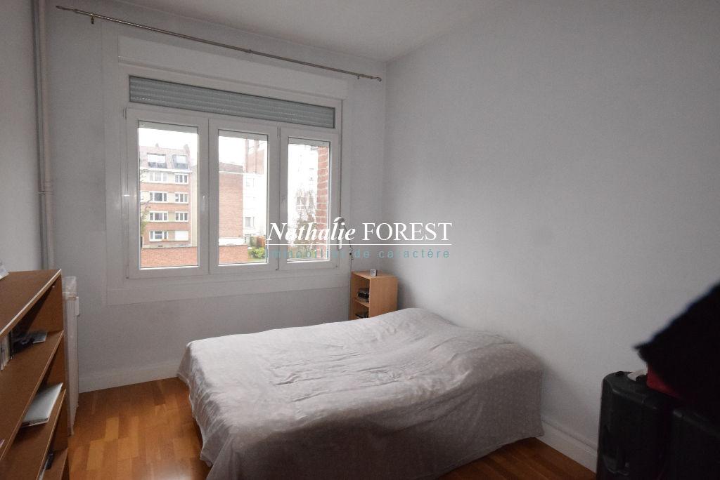 Exclusivité ! LA MADELEINE Botanique Appartement ancien de charme rénové  2 pièce(s) 53 m2 au calme à 2 pas du tramway