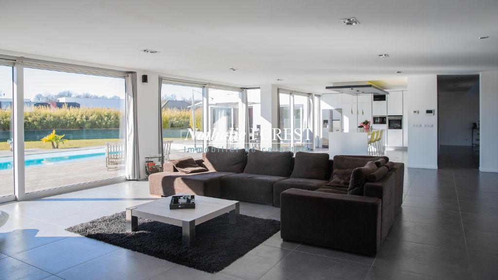 Merignies , proximité Golf , splendide maison cubique , 4/5 chambres , piscine extérieure sur 1800 m2 de terrain