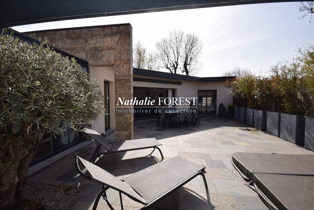 Co-Exclusivité VILLENEUVE D'ASCQ emplacement top Atypique Maison Contemporaine Individuelle d'architecte de 2013