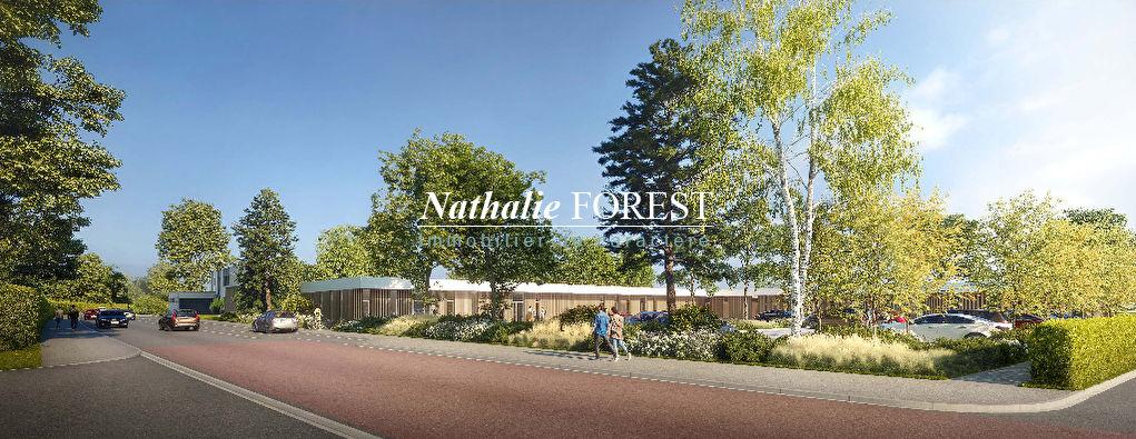 VILLENEUVE D'ASCQ, Magnifique Terrain de 1038 m2 idéalement situé et au coeur d'un programme de construction de commerces (superette) et de service à la personne (Médical).