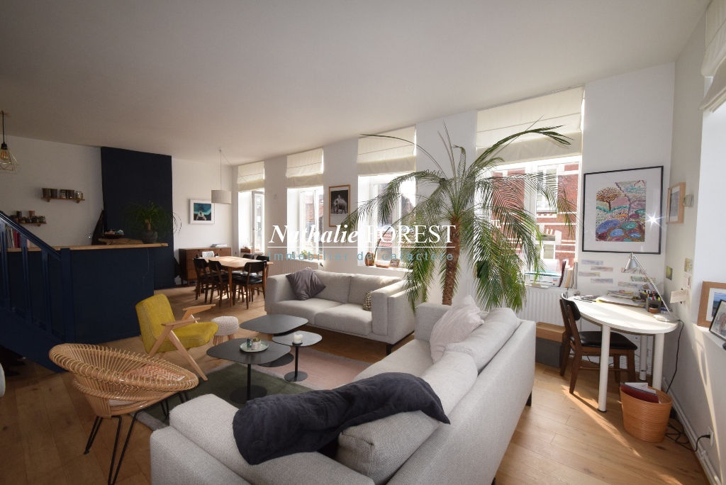 Exclusivité ! VIEUX LILLE Secteur Top ! Dernier étage Appartement Duplex  3 pièce(s) 2 parkings en location à proximité