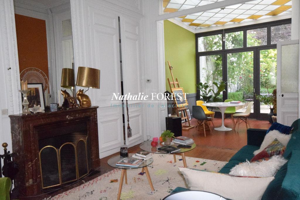 A vendre maison à Lille , 265 m², 890 000 € | Nathalie Forest Immobilier