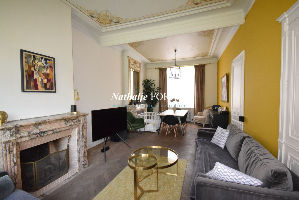 Exclusivité ! MOUVAUX Prox Centre Belle Maison bourgeoise entièrement rénovée 250M2 Hab, 5 Chambres, jardin , Garage
