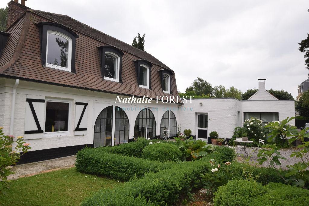 Roubaix Barbieux Limite Croix  Secteur prisé Maison de charme 4 Chambres, Jardin 1200M2