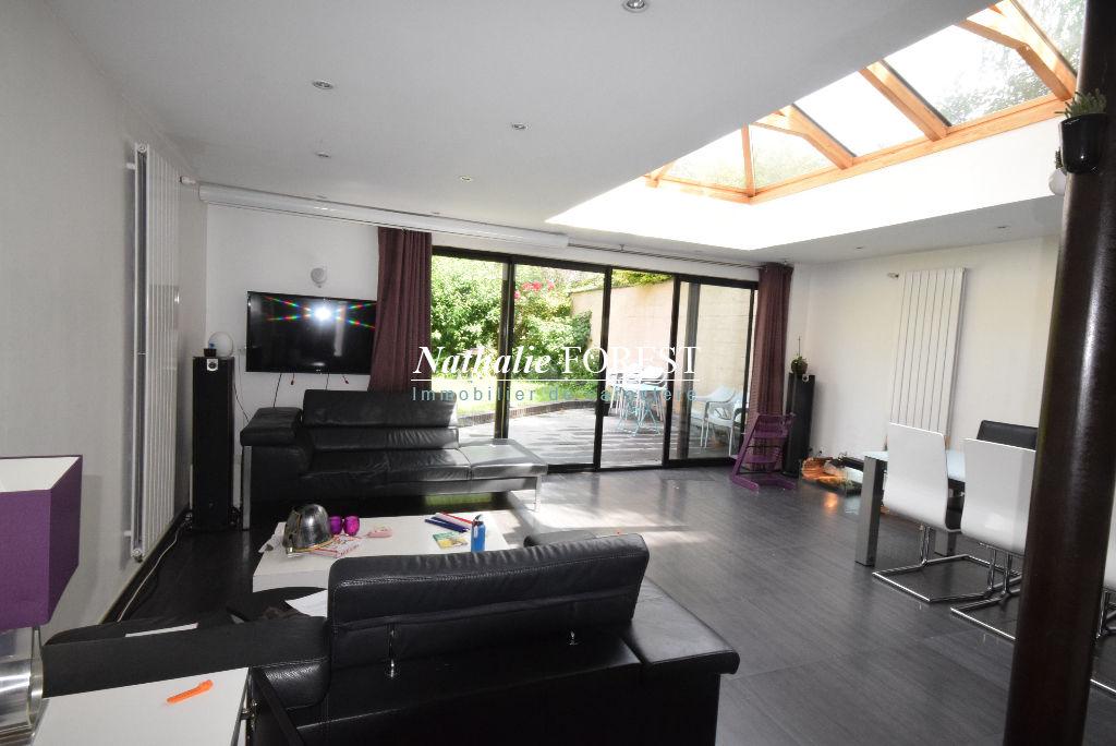 LILLE Saint-Maurice prox Métro Maison  Contemporaine Semi-individuelle, 5 Chambres, garage, jardin