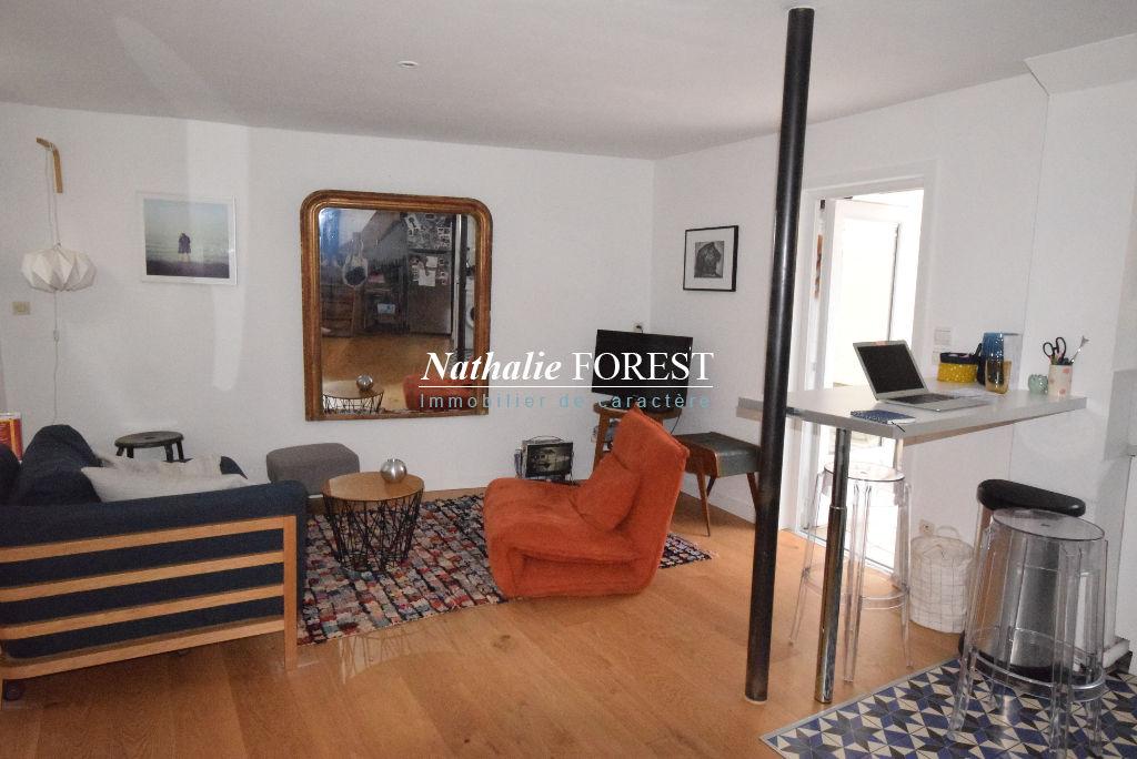 LILLE Secteur Top Bord de Vauban prox Bois de Boulogne Charmante Maison-Appartement T2 Rénovée avec terrasse
