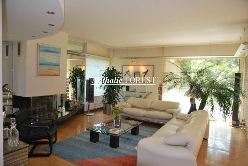 Mouvaux Résidentiel - Très jolie villa 5 chambres, salle de jeux sur 865m2 de terrain, garage 2 v