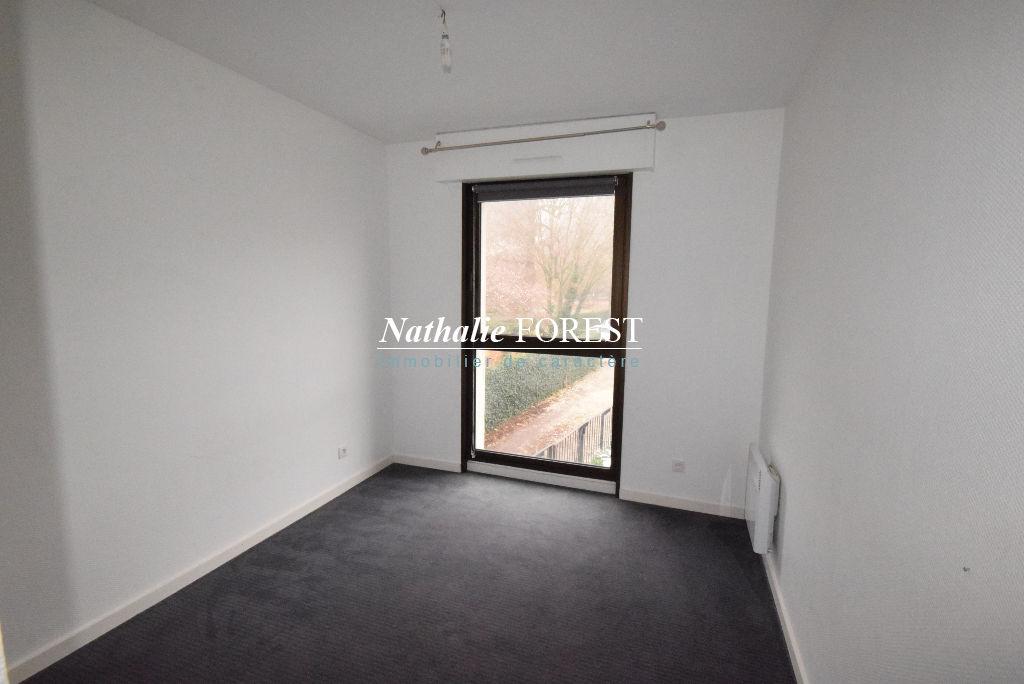 Exclusivité ! Vieux Lille La Treille,  Secteur Top ! Appartement  3 pièce(s) 64M2 (Loi Carrez) possibilité garage double