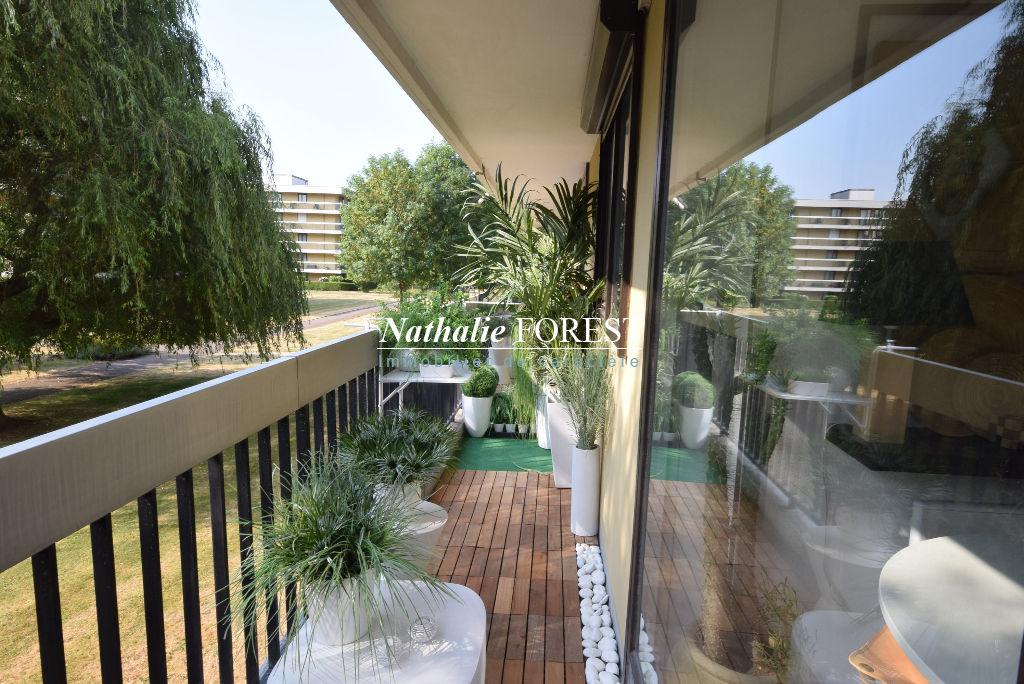 CROIX Barbieux Prox EDHEC Appartement  3 pièce(s) 68 m2 rénové, avec balcon 24M2 et cave