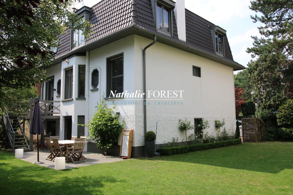 Marcq en Baroeul , plein Croisé Laroche , ravisante maison individuelle , 4 ch sur 600 M2 de terrain .