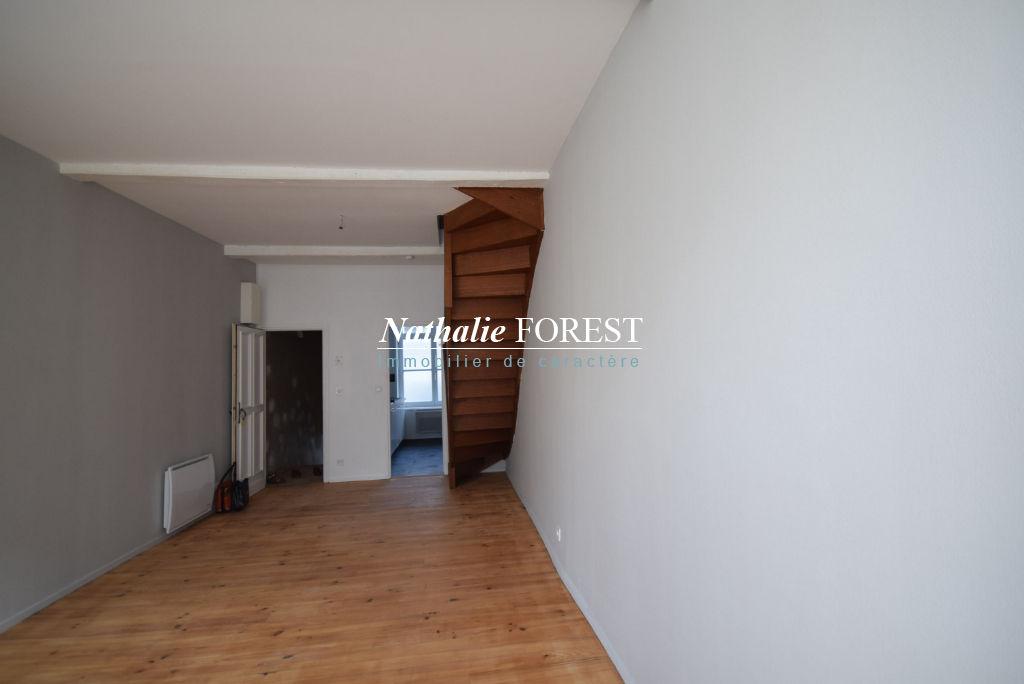 VIEUX LILLE! Appartement 4 pièce(s) 80 m2 environ en triplex