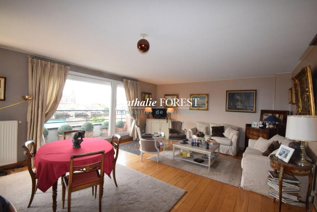 MOUVAUX Centre Appartement  4 pièce(s) 107 m2, Dernier étage avec Terrasse Sud de 16M2, Garage