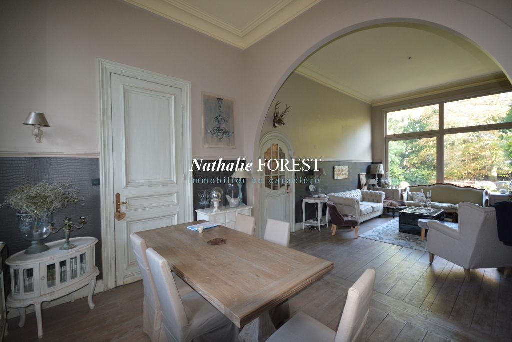 CO _EXCLUSIVITE .Roncq proximité Croix blanche , élégante maison bourgeoise , 5 chambres + Sde jeux sur 1347 M2 de terrain