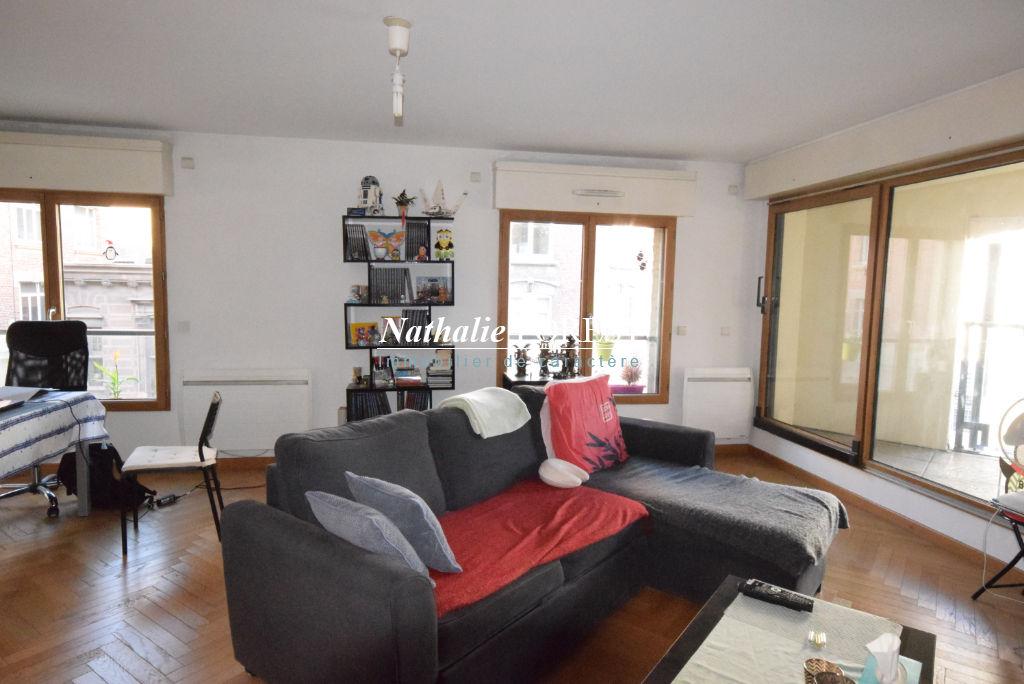 LILLE Centre Ville-République, Appartement  3 pièce(s) 70M2, 2 Chambres, Terrasse 6M2, Poss achat garage en sus du prix