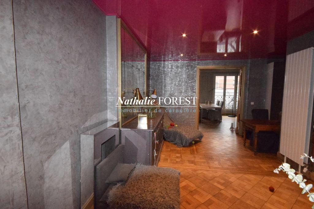 Exclusivité ! LILLE Plein Centre au 4ème étage, Bel Appartement Bourgeois Haussmannien 5 pièce(s) rénové 180M2 Habitables