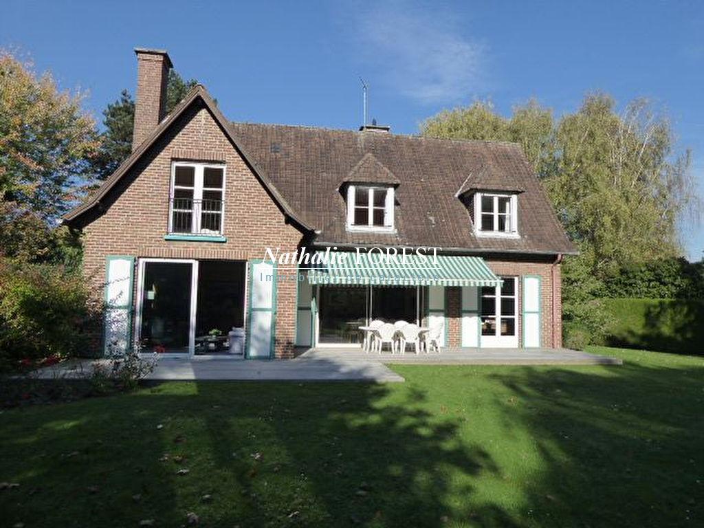 """Bondues , prox Croix Blanche , Villa de l 'architecte """"Maillart"""" , 6 ch sur 3544  m2 , extension possible ."""