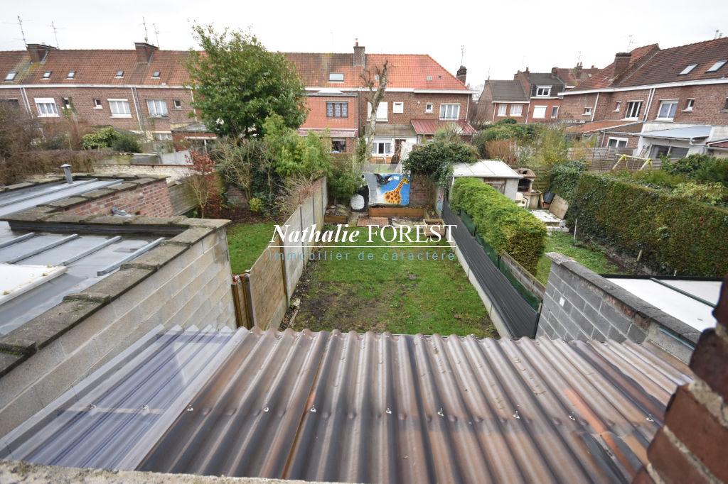 LOOS CENTRE RUE WASTIN! Maison de 131 m²habitable, 3 chambres, jardin de ville orienté SO.