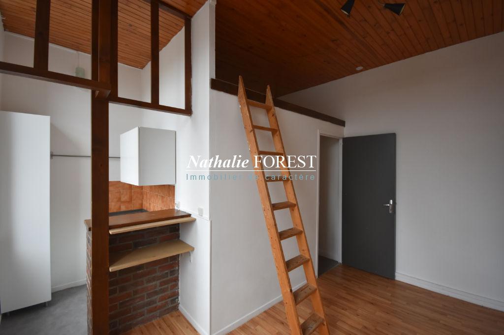 Lille Sébastopol/République - Appartement T2 de 26m2, petite copropriété