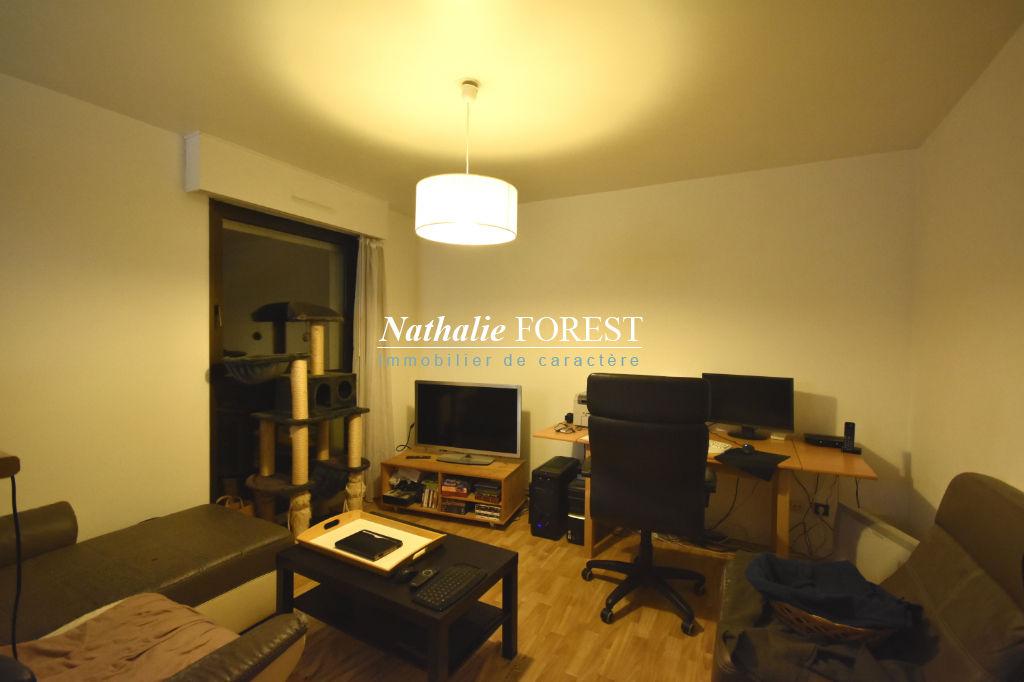 EXCLUSIVITE - Vieux Lille La Treille, Secteur Top ! Appartement Type 2 de 39m2 (Loi Carrez), cave