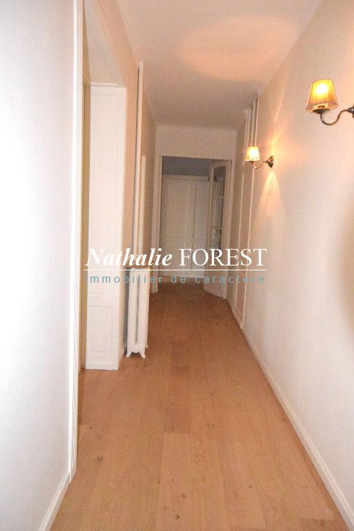 LA MADELEINE ROMARIN! Superbe appartement haussmannien de157 m² entièrement rénové!