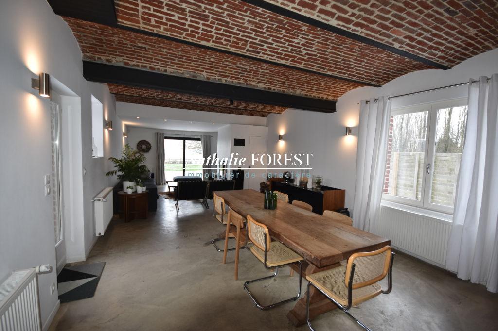 Exclusivité . Ravissante maison de campagne , divisible , 4 chambres , bureau , garage sur 1267 m2 de terrain.