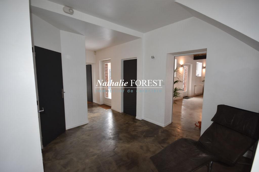 Exclusivité . Ravissante maison de campagne  Prox Fleurbaix , divisible , 4 chambres , bureau , garage sur 1267 m2 de terrain.