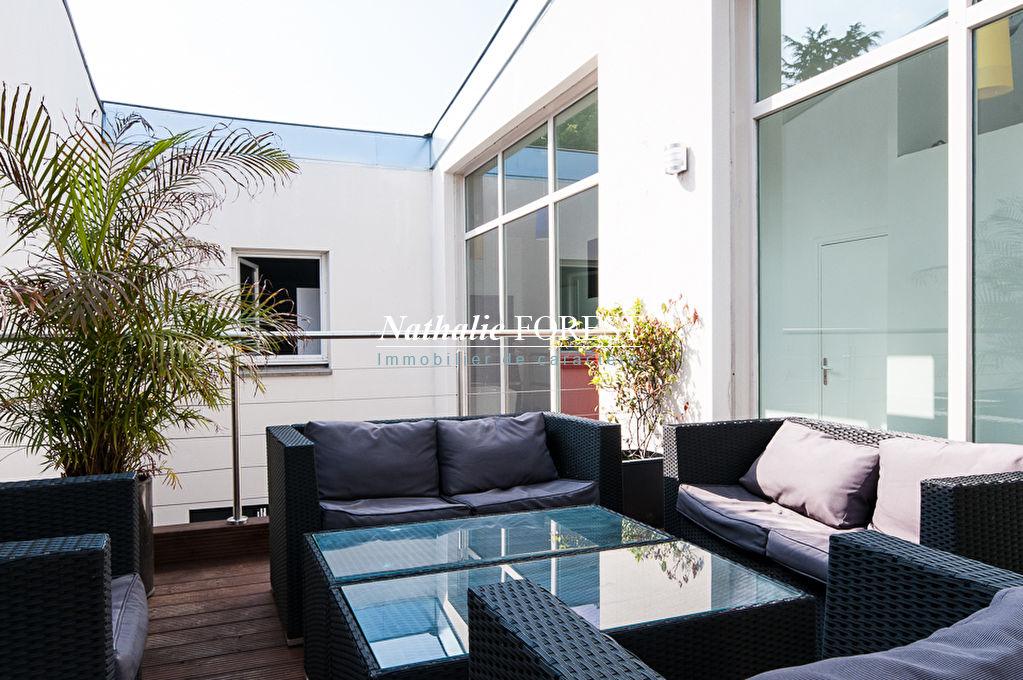 WASQUEHAL Sart Maison Incroyable et Atypique Maison d'Architecte esprit Loft jardin de ville, Terrasse et patio, Parking sécurisé 2 voitures.