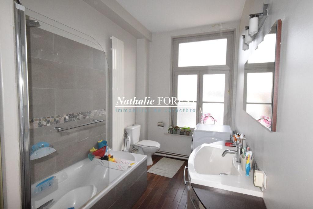 Vieux Lille Rue Royale Appartement Lille 3 pièce(s) Duplex 60,41 M2 (Loi Carrez) 76 M2 au sol  au 3ème et dernier étage