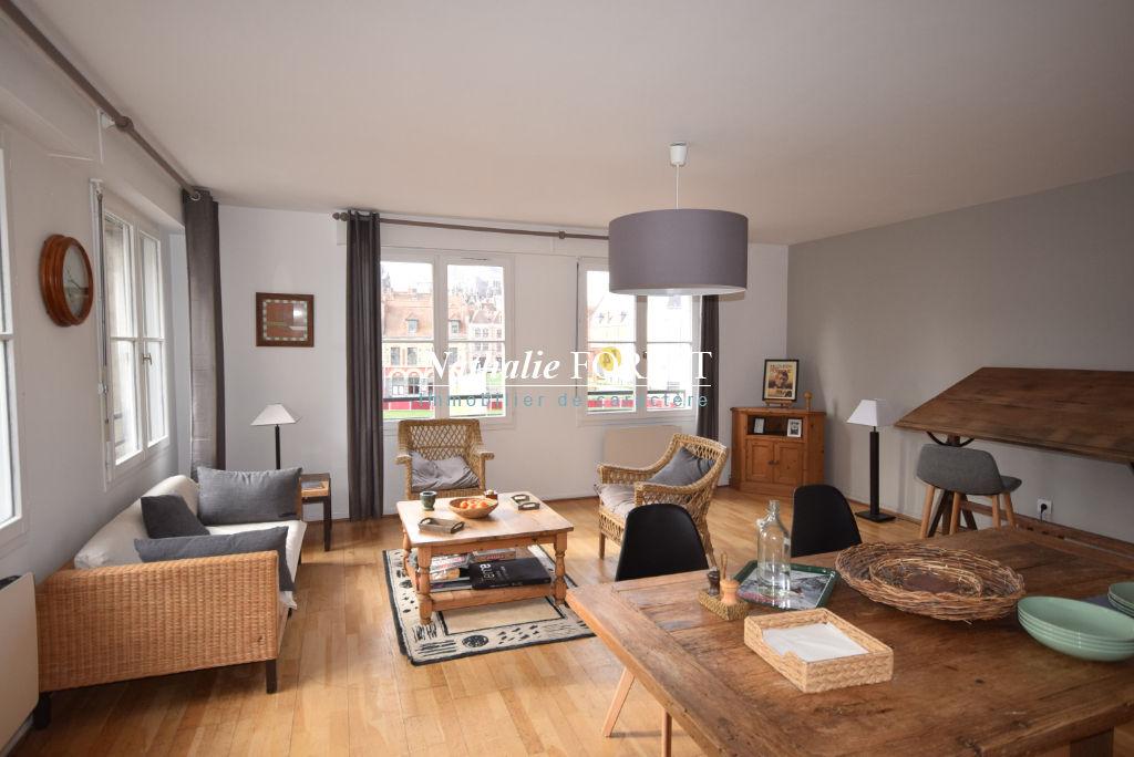 VIEUX LILLE, LOUISE DE BETTIGNIES! Superbe type 4 pièce(s) 100m² env meublé , Garage et Cave.