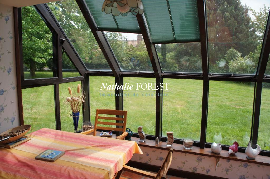 CROIX Résidentiel MAISON  8 pièce(s) 211M2 Habitables sur 1889M2