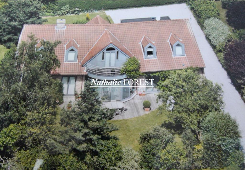 GRUSON, Belle maison Dewaelle (5 ch) exposée plein sud sur une parcelle arborée de 935 m2